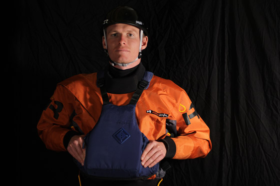 Chris Gragtmans models the SR Shaggy helmet in Black Gold (carbon/kevlar), one of the composite layup options.